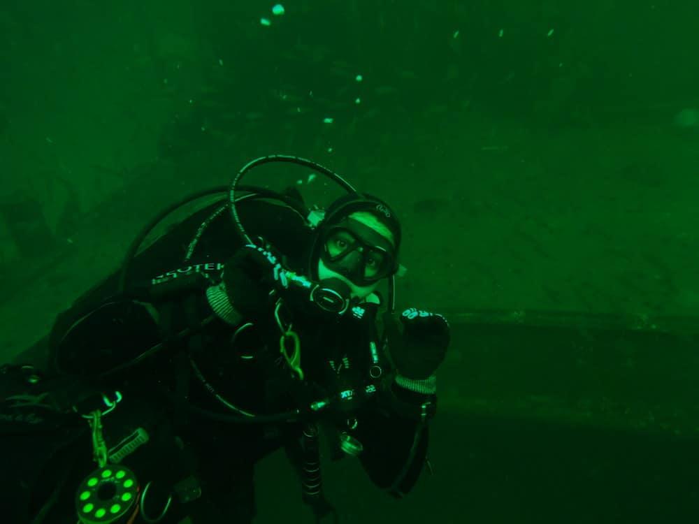 dive-master-taylor.jpg